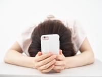 「携帯代を払えないといつ止まる?」利用停止や強制解約の対策まとめ