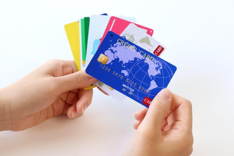 楽天カードを年会費無料の他社カードと比較【口コミ掲載】